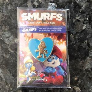 Smurfs pin